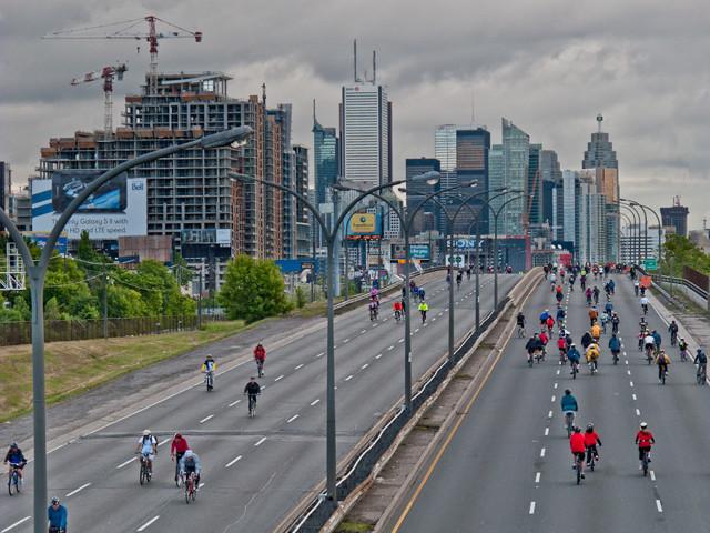 Как образуются пробки в городах?