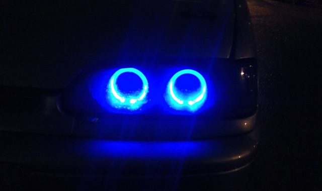 Можно ли ставить синие лампочки в габариты и фары?