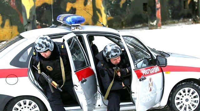 Остановка автомобиля сотрудниками национальной гвардии в 2021 году
