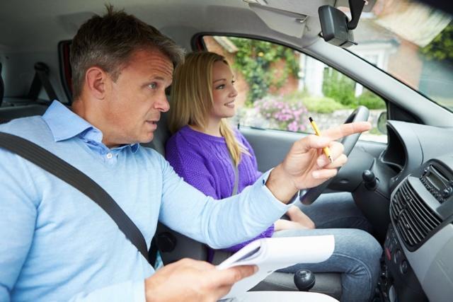Когда лучше начать учиться на получение водительских прав? Выбор времени года