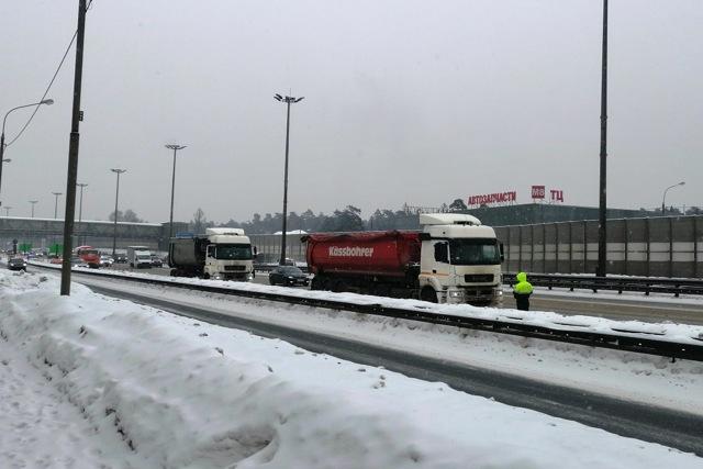 Можно ли выехать из Москвы днем на грузовике?